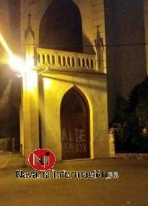 """Pintada de """"Aldehemendik"""" donde se iba a celebrar la Misa el 12 octubre 2016"""