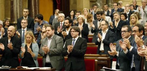 El Parlamento catalán avanza en la reforma para la desconexión exprés