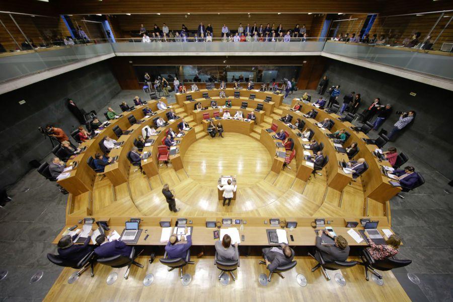 El Parlamento muestra su solidaridad con las víctimas de accidentes laborales