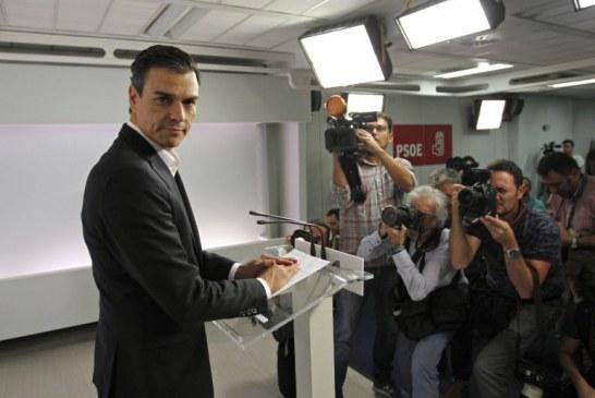 Sánchez propone readmitir a los 17 dimitidos pero los criticos lo rechazan