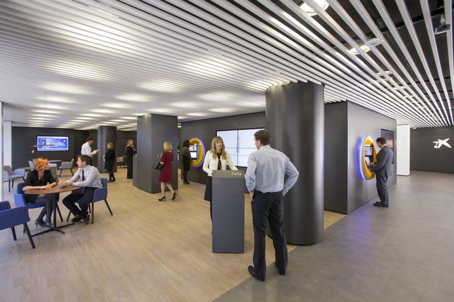 Caixabank abre en iturrama su tercera oficina del nuevo for La caixa oficinas zaragoza