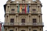 El Ayuntamiento pamplonés se reune con representantes de Nicaragua y Colombia