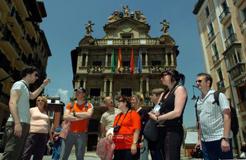 Aumenta un 24% los turistas atendidos en la Oficina de Pamplona en el puente del Pilar