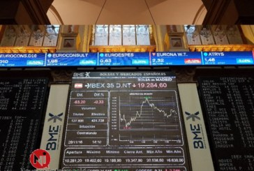 El IBEX cae un 1,78 % y se acerca a 9.600 puntos lastrado por la banca