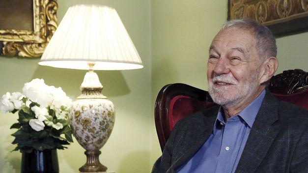 Mendoza: «No es muy importante que la gente lea sino que algunos lean bien»