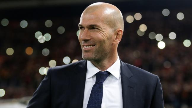 """Zidane asegura que Cristiano """"se tiene que quedar"""" y entiende a Bale"""