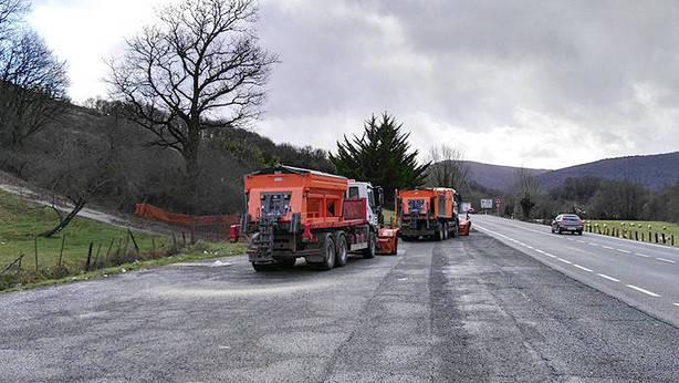 Movilizados 47 quitanieves ante el riesgo de que las nevadas afecten a las carreteras navarras