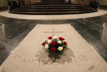 El Gobierno habla con la familia de Franco y con la Iglesia para el traslado de los restos