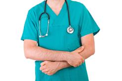 Los seguros privados crecen a costa de las listas de espera de la sanidad pública
