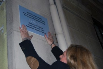 Covite coloca 62 placas en Bilbao y San Sebastián por las víctimas del terrorismo