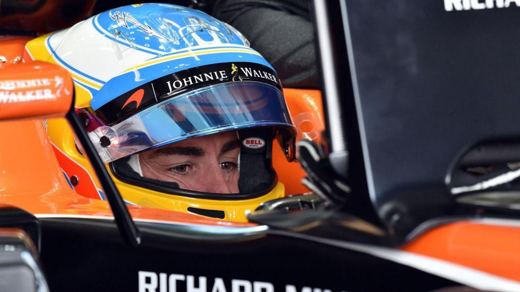 Alonso: Seguiré divirtiéndome en las carreras hasta que el coche esté a punto