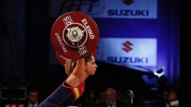 Atenery Hernández, plata en arrancada en 53 kilos