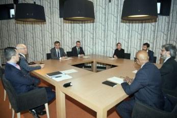 El Parlamento estudiará que Barkos explique su reunión con los 'verificadores' del desarme