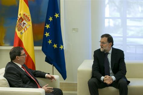 El rey y Rajoy visitarán Cuba «lo antes posible» por primera vez