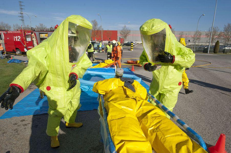 Efectivos de emergencias participan en un simulacro por accidente químico en Guardian Navarra