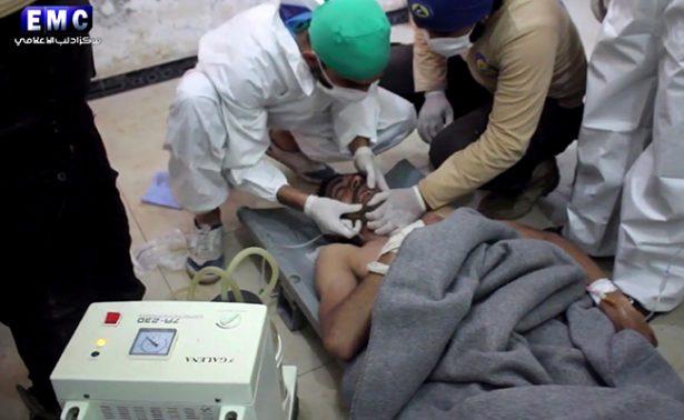 Al menos 58 muertos en un supuesto ataque químico contra una zona rebelde en Siria