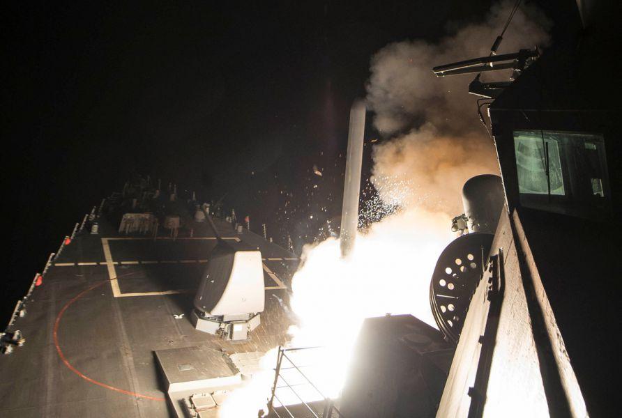 Israel, Reino Unido y Arabia Saudita apoyan el bombardeo de Estados Unidos a una base militar siria
