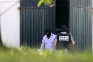 ETA señala doce zulos de armas a las autoridades francesas