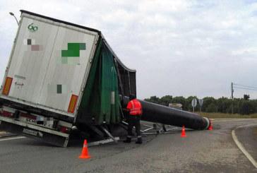 Un camionero duplica la tasa de alcoholemia tras salirse de la vía en Ribaforada
