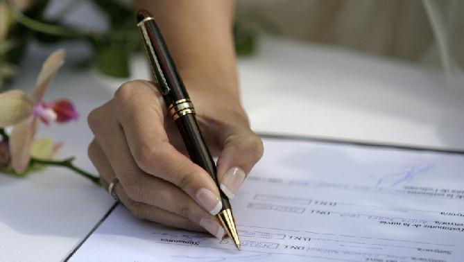Los contratos de trabajo baten récord hasta junio con una media de 58.000 al día