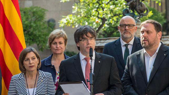 El Consejo de Secretarios e Interventores de Cataluña subraya que deben fidelidad a la Constitución