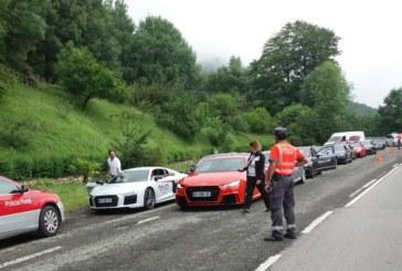 Policia Foral Controla 23 vehículos franceses de alta gama en Venta San Blas