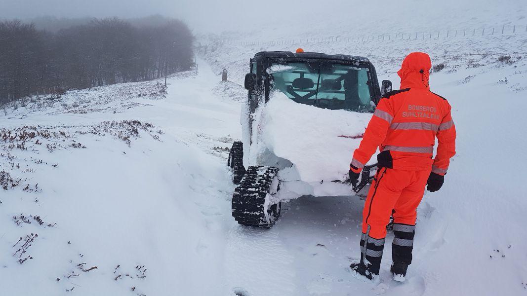 Alerta roja en Navarra por nevadas: El Gobierno aconseja no viajar por la red de carreteras