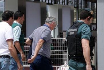 Villar y su hijo salen de prisión tras pagar las fianzas
