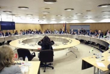 Las autonomías suben su déficit un 40,2% hasta mayo y sólo País Vasco cumple