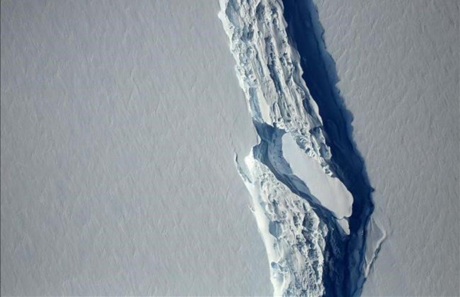 El considerado mayor iceberg de la historia se desprende de la Antártida