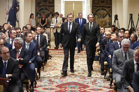 Rajoy anuncia inversión de 5.000 millones en 2.000 kilómetros de carreteras