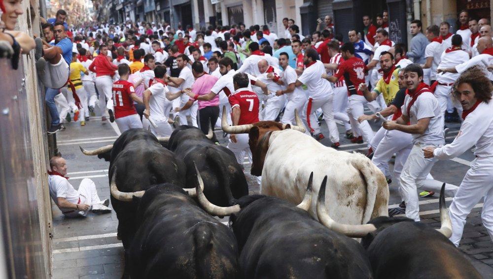 Ocho traslados al CHN ninguno por asta de toro en el sexto encierro de San Fermín 2017