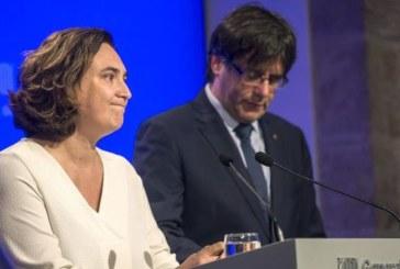 Ada Colau paraliza la cesión de colegios para el referéndum del 1-O a la espera de garantías