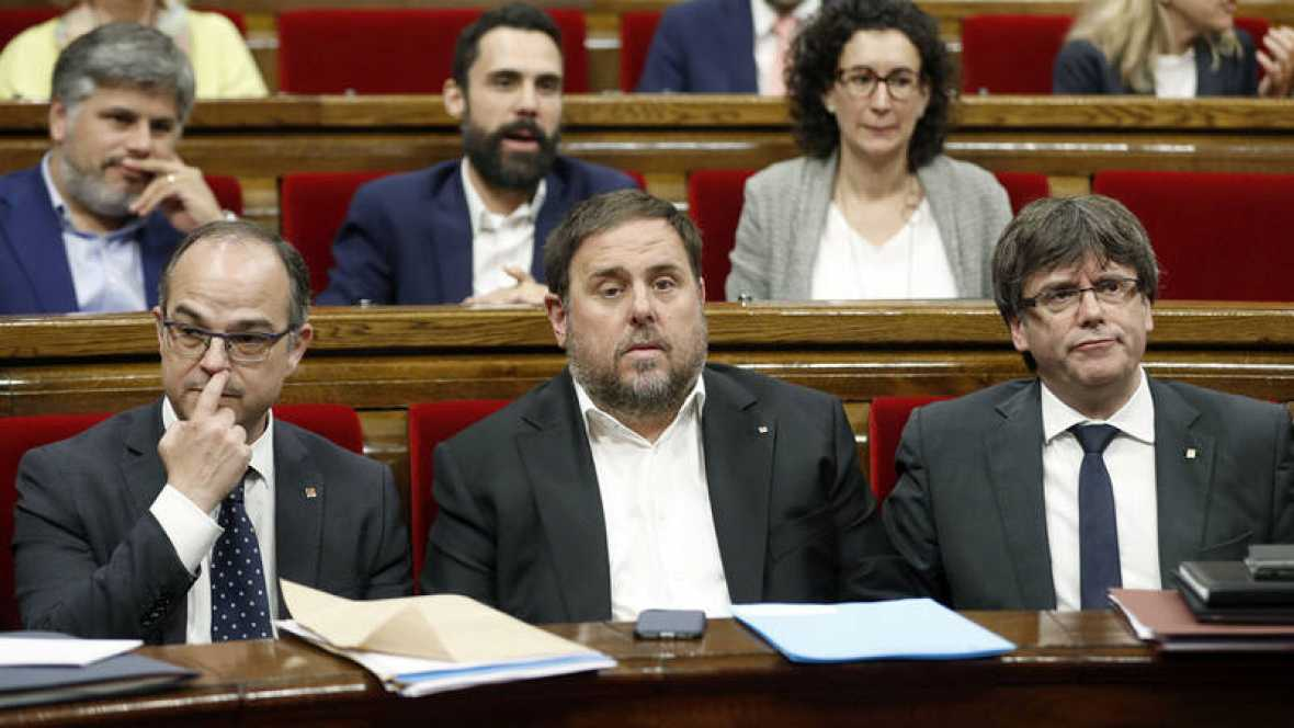 Puigdemont no contempla por el momento convocar elecciones en Cataluña