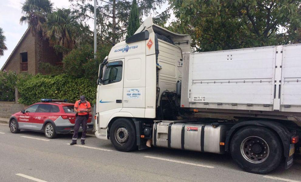 Inmovilizado un camión en Bera por positivo en cocaína