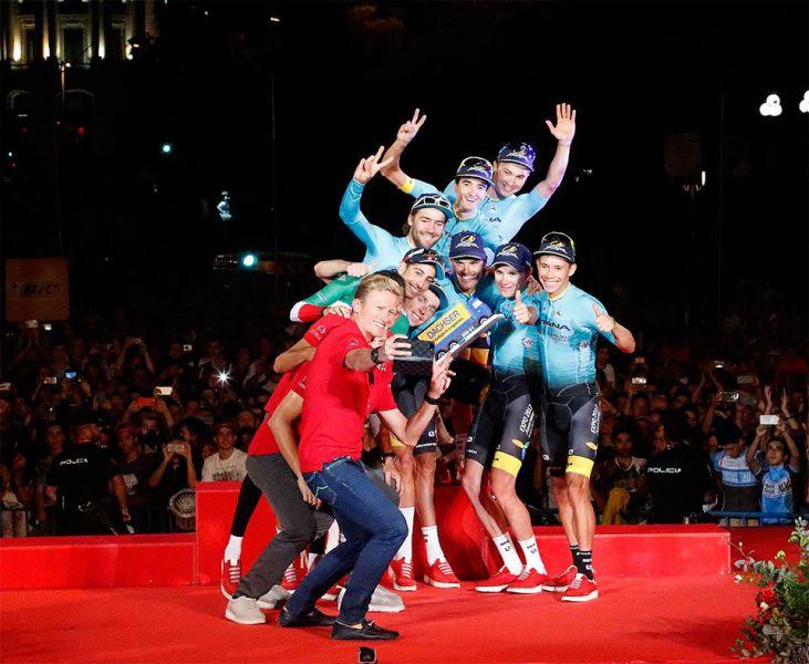 Dachser entregó al Astana Pro Team el Premio a la Clasificación por Equipos de La Vuelta a España