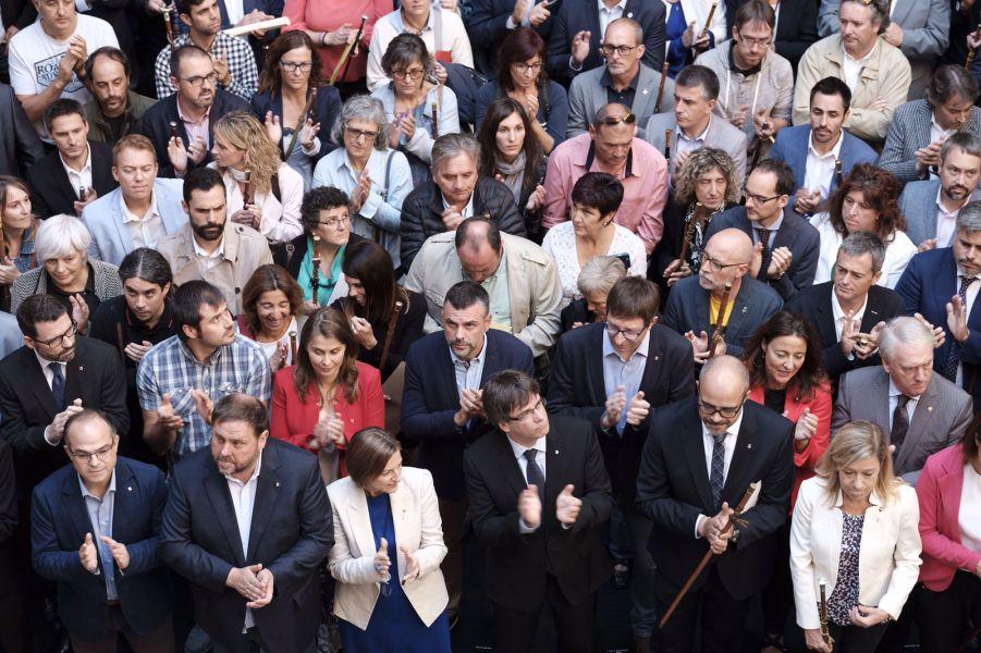 La Fiscalía cita a 37 alcaldes como investigados por su apoyo al referéndum