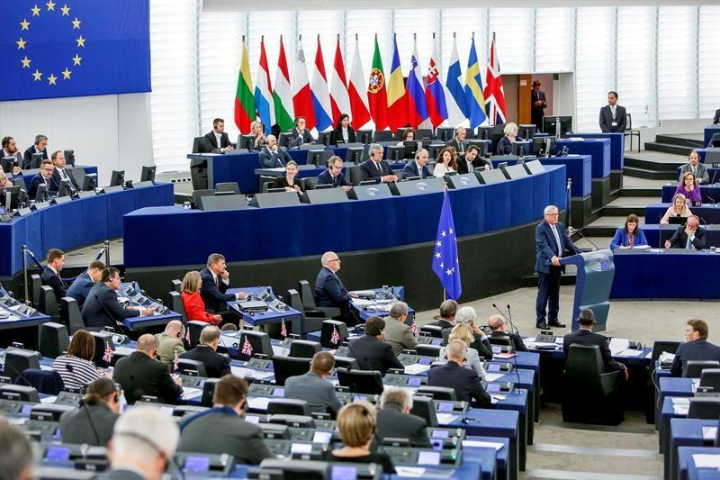 """Juncker limita las menciones al """"brexit"""" y subraya que no será """"el final de todo"""""""
