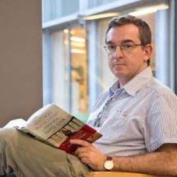 Posteguillo rescata del infierno a los escritores malditos en su nuevo libro