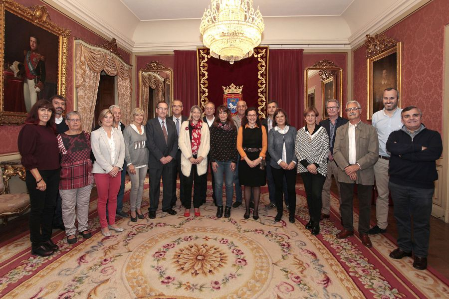 El Ayuntamiento recibe a la Federación de Casas Regionales de Navarra en su XXIX Semana Cultural