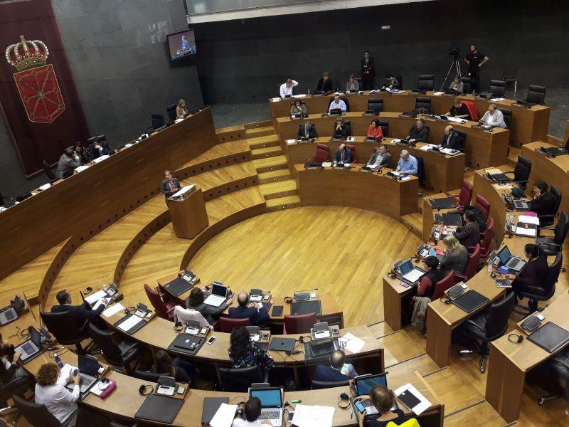 Debate Estado Navarra: El Parlamento acuerda colaborar con España en carreteras y TAV