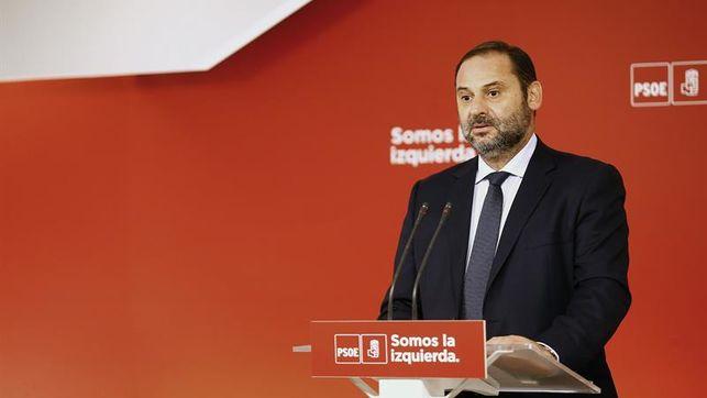 El PSOE apoya al Gobierno en aplicación del 155 que espera breve y muy limitada