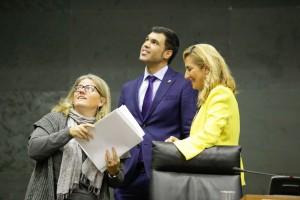 Amaya Zarranz, Carlos García y Beltrán, portavoz de PPN.