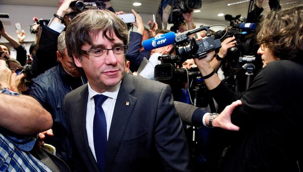 La Fiscalía alemana pide la extradición de Puigdemont por rebelión y malversación
