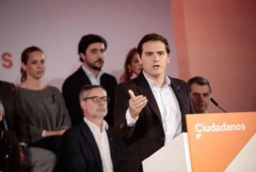 Rivera acusa al PSOE de estar con los nacionalistas en contra del castellano