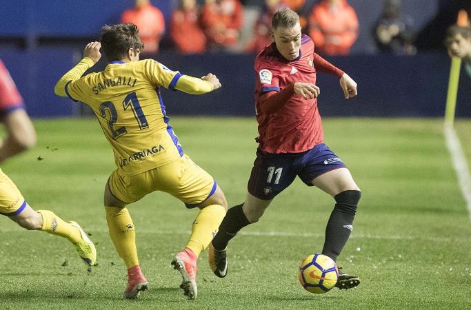Carlos Clerc (Osasuna), sancionado, no jugará ante el Rayo