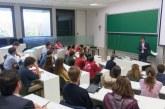 Óscar López en el 'Observatorio político, electoral y parlamentario' de la Facultad de Derecho de la Universidad de Navarra.