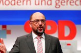 El SPD da un visto bueno por escaso margen a negociar otra alianza con Merkel