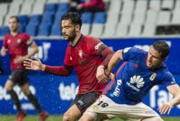 1-0. Johannesson da al Oviedo la victoria en un campo encharcado