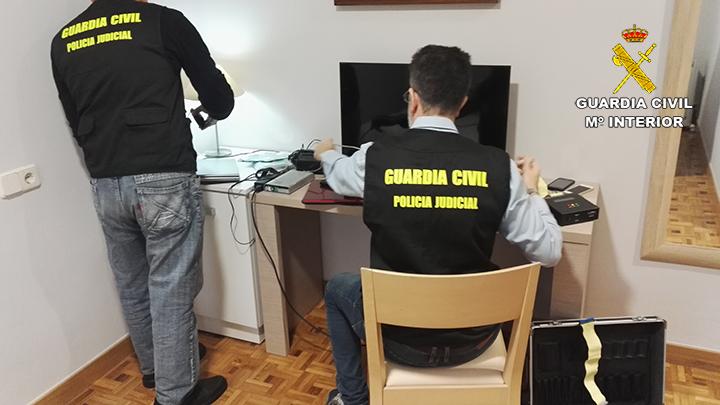 La Guardia Civil detiene en Navarra a 4 personas por delitos de pornografía, agresión y abuso sexual a menores